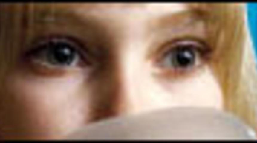 Annasophia Robb rejoindra Hilary Swank