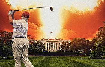 Michael Moore détruit l'administration de Trump dans son nouveau film