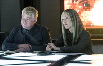 Davantage de la présidente Coin dans les films The Hunger Games: Mockingjay que dans le livre
