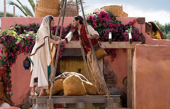 Bande-annonce : Aladdin et Jasmine chantent A Whole New World