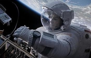 Gravity : L'infiniment grand