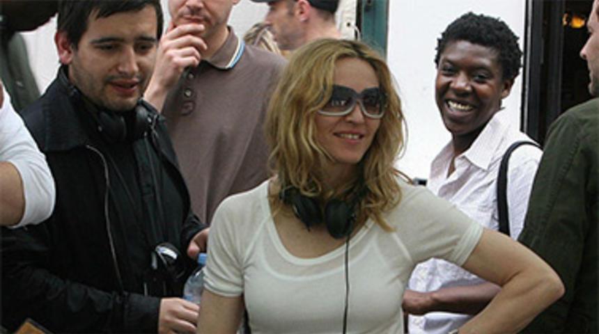 Madonna réalisera l'adaptation du roman Ade: A Love Story
