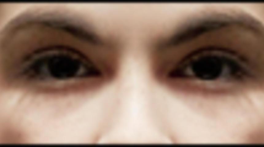Primeur : Affiche en français du suspense d'épouvante L'orpheline