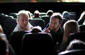 Une vidéo promotionnelle hilarante et pertinente pour De père en flic 2