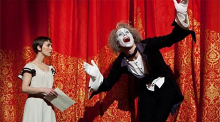 Cirque du Soleil: Worlds Away prend l'affiche deux semaines plus tôt au Québec