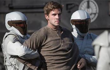 Liam Hemsworth rejoint Aurora Rising