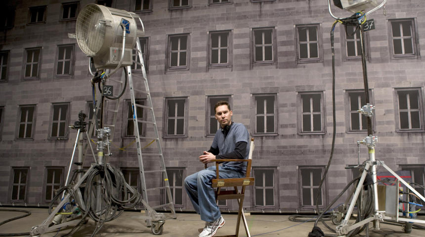 Bryan Singer réalisera l'adaptation de The Moon Is a Harsh Mistress