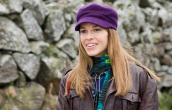 Hilary Swank produira et jouera dans l'adaptation de Shrapnel