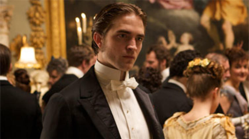 Robert Pattinson sera un interrogateur de l'armée dans Mission: Blacklist